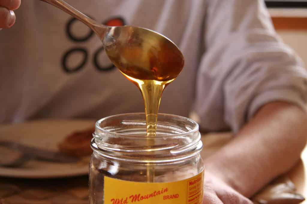 Ложка меда: сколько меда можно есть в день?