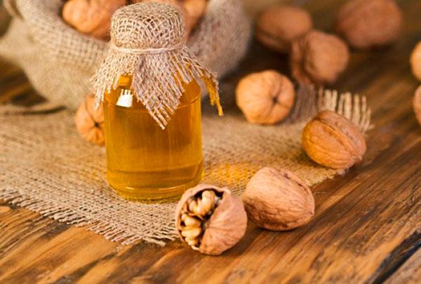 Мед и орехи для потенции у мужчин  вкусное лекарство