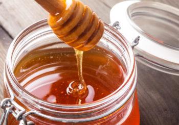 Почему горчит мед, всегда ли горький вкус продукта — это вариант нормы?